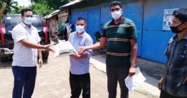 দীঘিনালায় সিএনজি মাহিন্দ্রা ইজিবাইক চালকদের মাঝে সহয়তা প্রদান